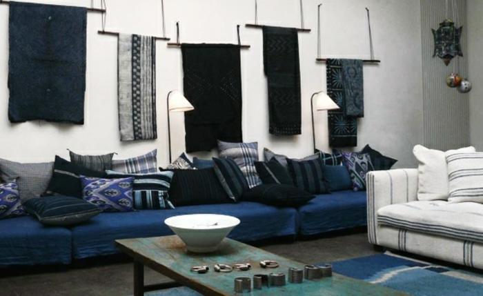 1001 id es pour une d co maison couleur indigo - Peinture mur bleu gris ...