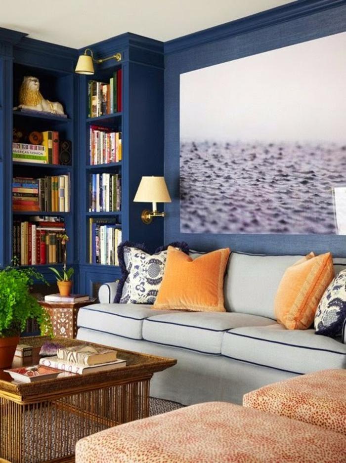 salon-bleu-canard-peinture-bleu-paon-bleu-canapé-gris