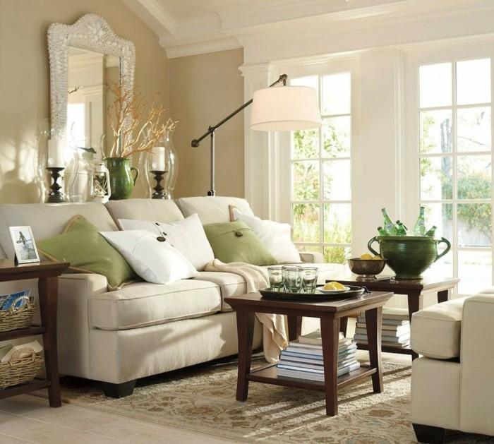 decoration zen, canapé beige, murs taupe, plafond blanc, grande fenêtre, table en bois foncé