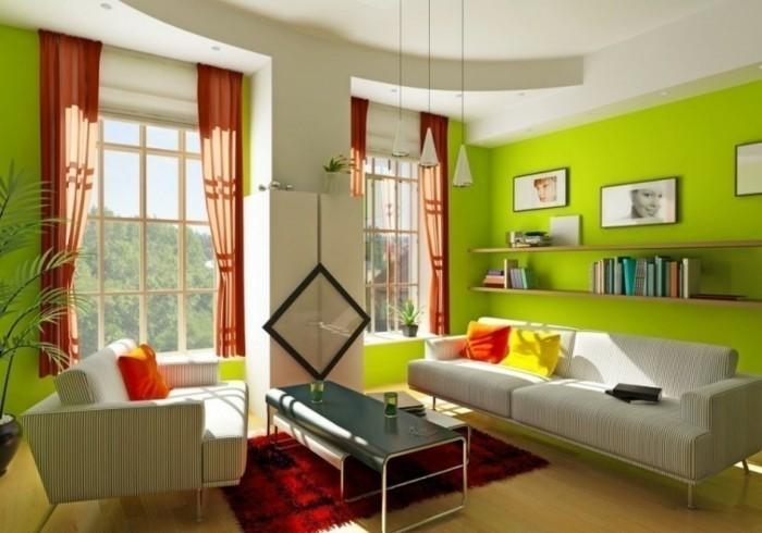 aménager son salon, plafond blanc, murs verts, rideaux orange, tapis rouge, coussins décoratifs