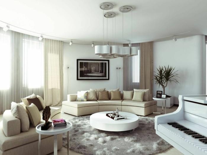 maison feng shui, tapis rond gris, canapé beige, plafond blanc, plante dropicale