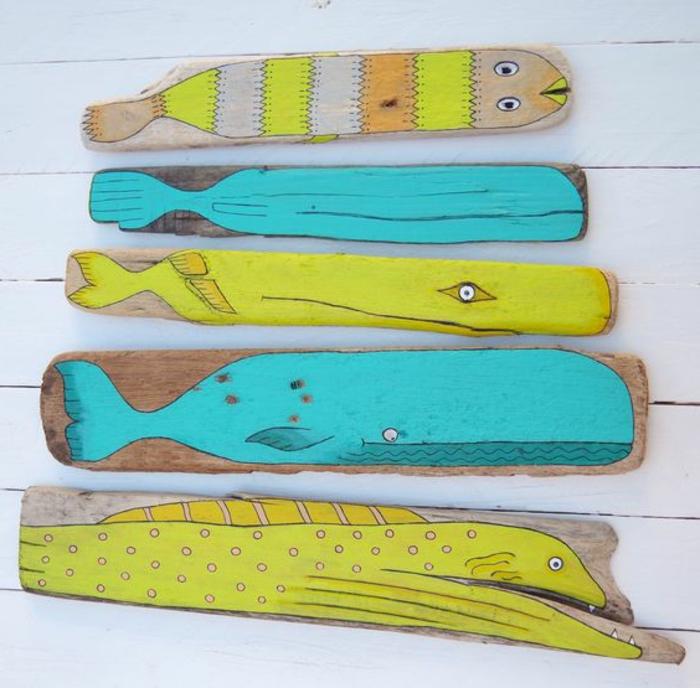 sculpture bois flotté, jolies planches décorées de couleurs radiantes