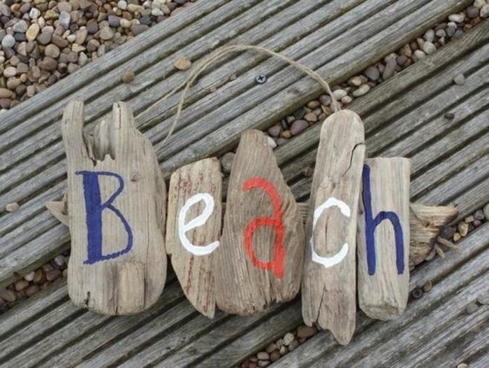 sculpture bois flotté, façons originales de décorer les cafés à la plage