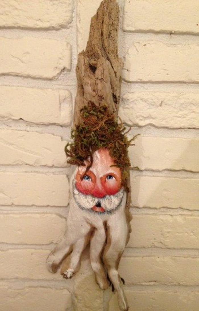 sculpture bois flotté, père Noel en bois