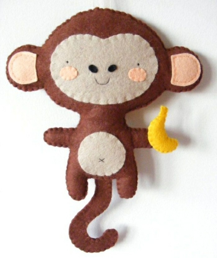 singe-couleur-marron-idée-patron-doudou-plat-facile-a-faire-doudou-exotique-enfant-à-offrir-pour-cadeau-anniversaire