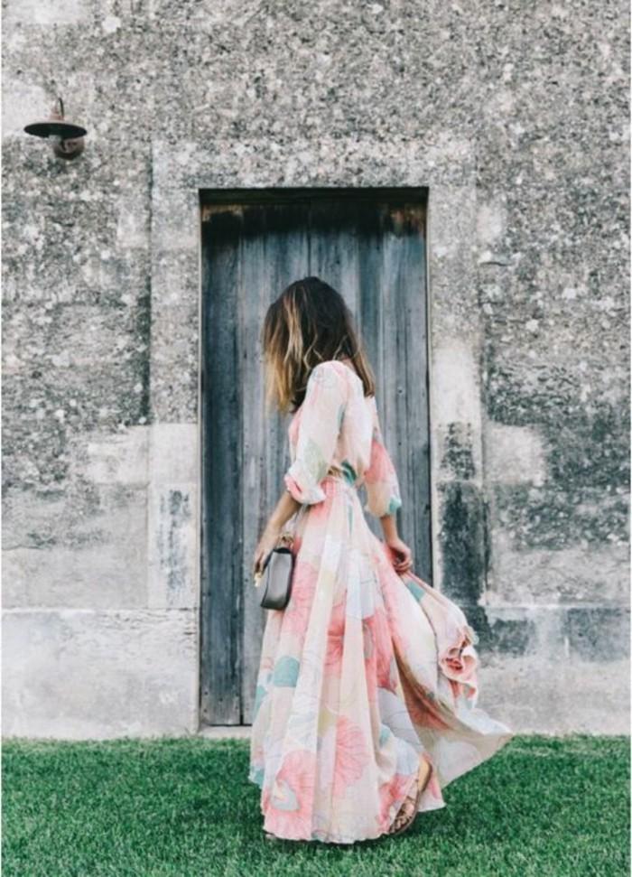 style-décontracté-chic-femme-style-femme-chic-rose-robe-longue