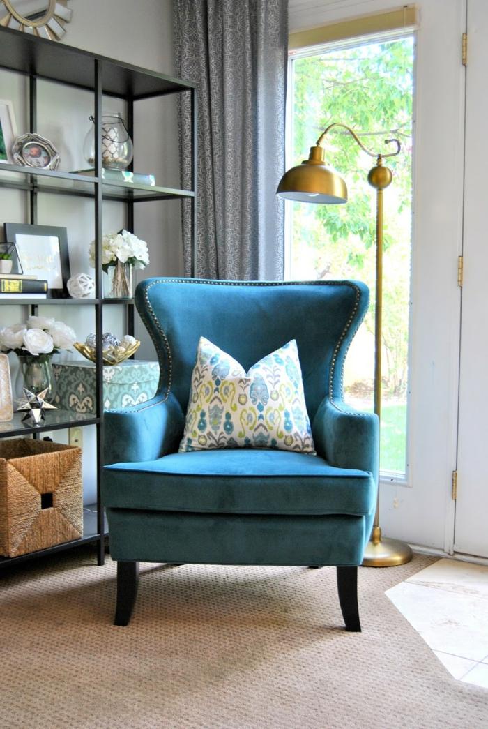 superbe-idées-déco-chambre-deco-bleu-et-jaune-coussin