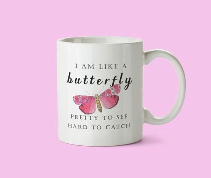 tasse personnalisée, je suis comme un papillon