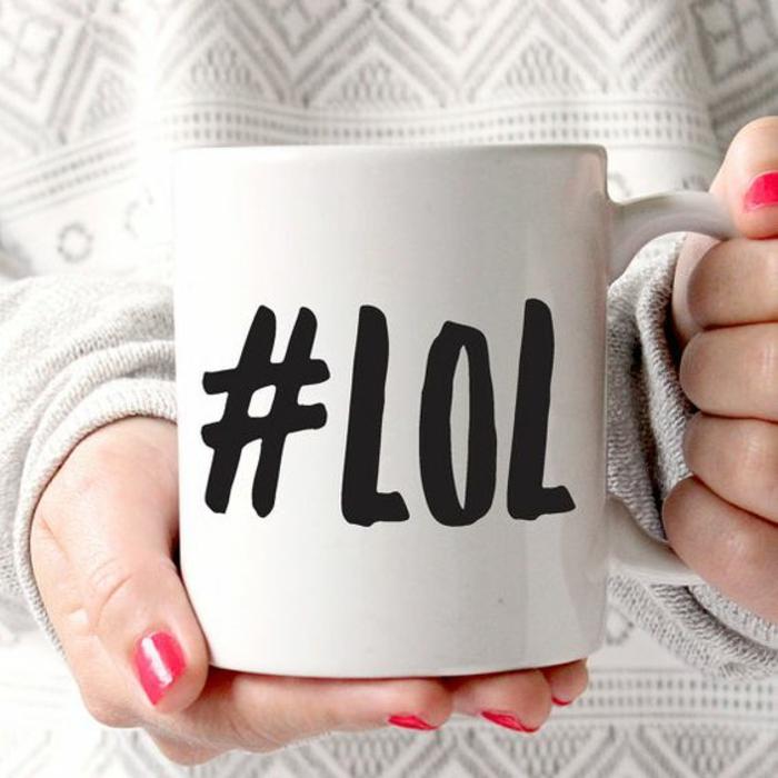 tasse personnalisée, script sur la tasse à café