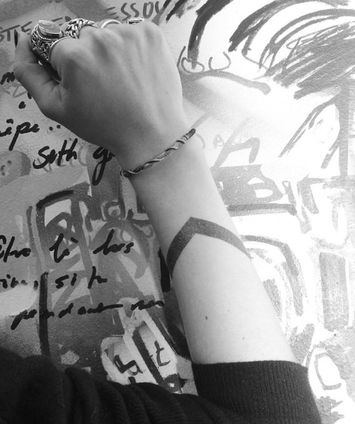 tatouage bracelet bras poignet idée tattoos temporaires tatouage ephemeres