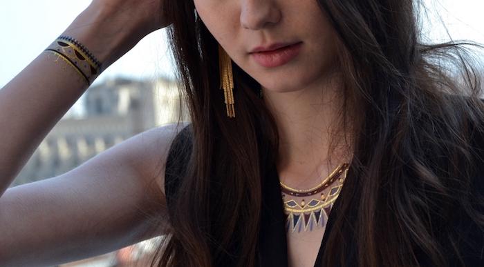 tatouage or noir bracelet poignet collier henne