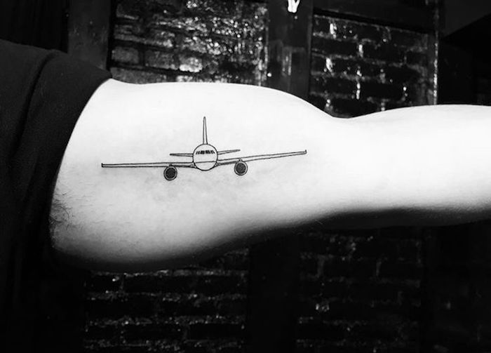 idee avion en papier tatouage signification rose des vents