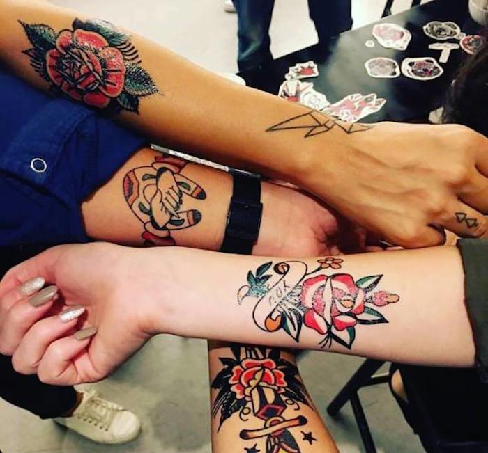tattoos temporaires fleurs bras idees exemples tatoueurs