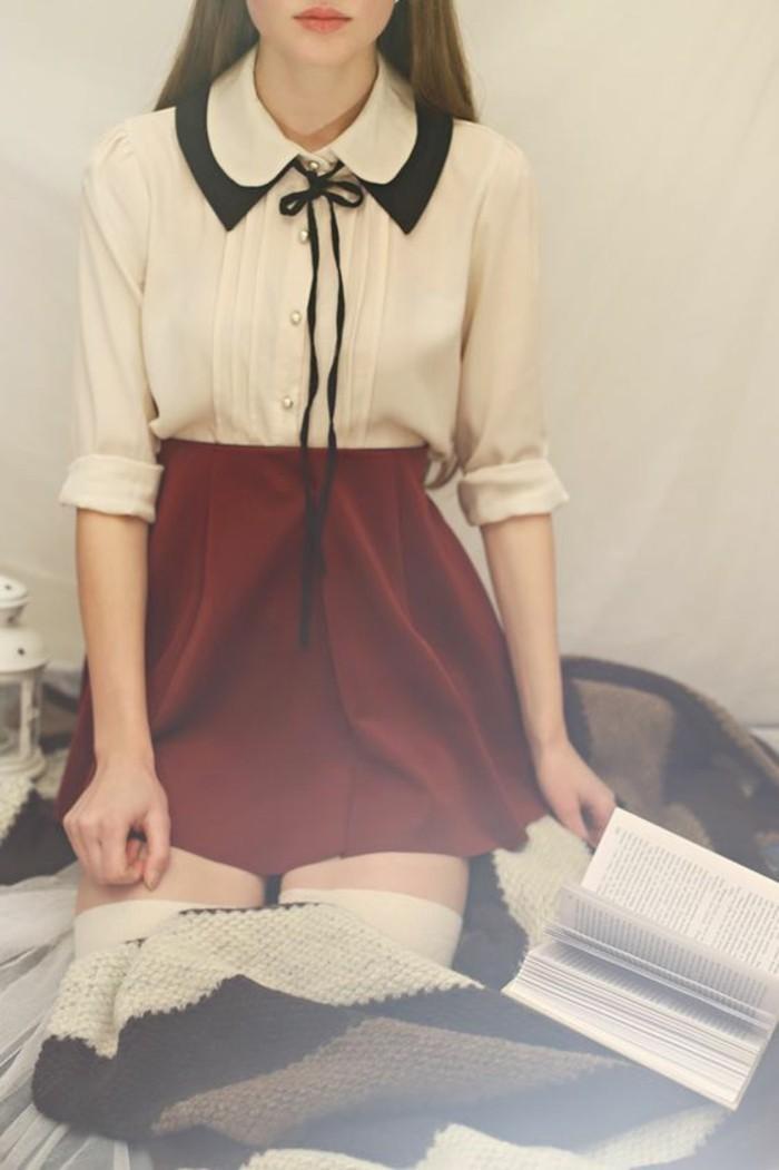 tendance-tenue-d'écolière-chemisier-col-claudine-nouée-rétro-jupe-évasée-bordeaux