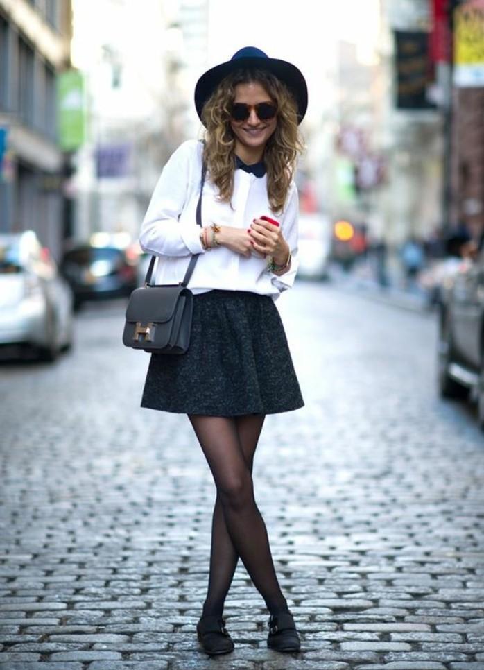 tenue-chic-et-rétro-jupe-évasée-chemise-col-claudine-chapeau-à-larges-bords