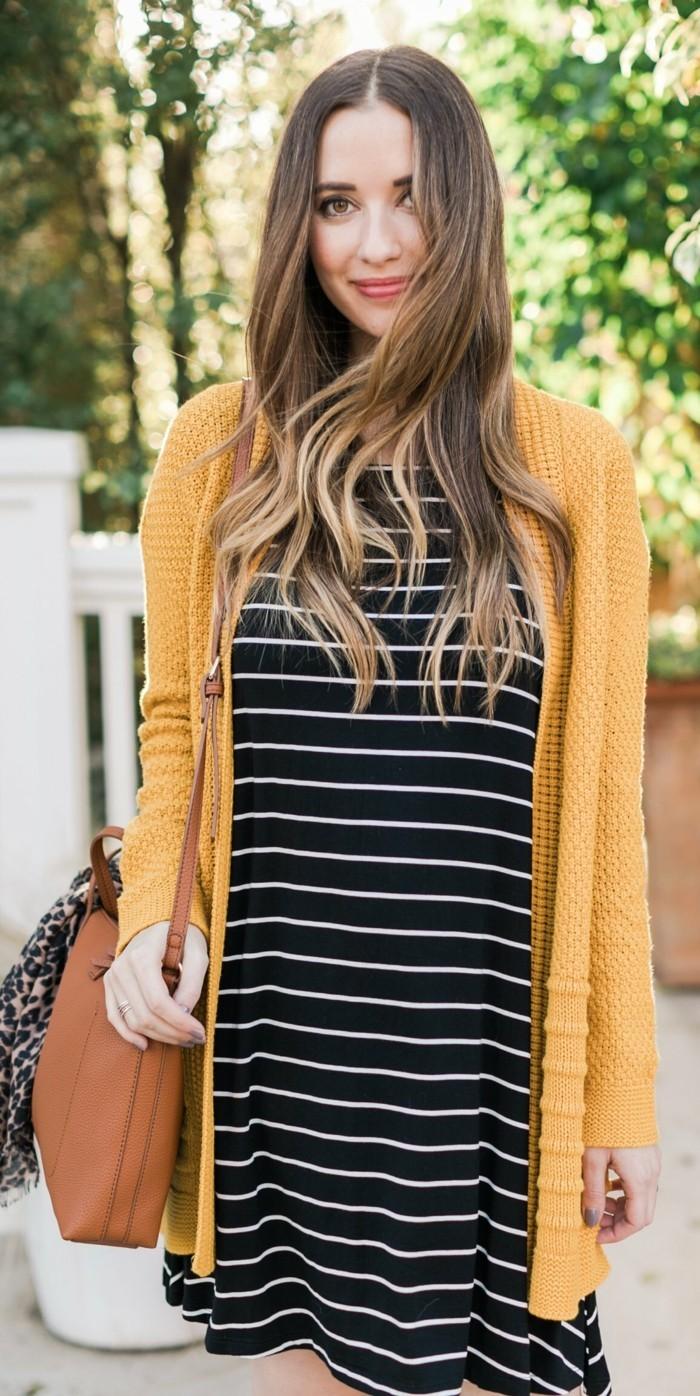 tenue-décontractée-chic-femme-tenue-decontracté-cool-avec-jillet-jaune