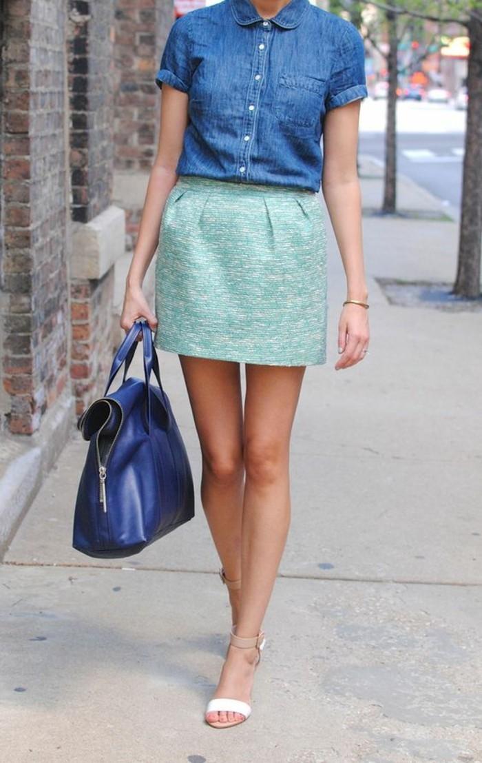tenue-d'été-chic-et-élégante-jupe-verte-menthe-à-l'eau-chemisette-femme-effet-jean