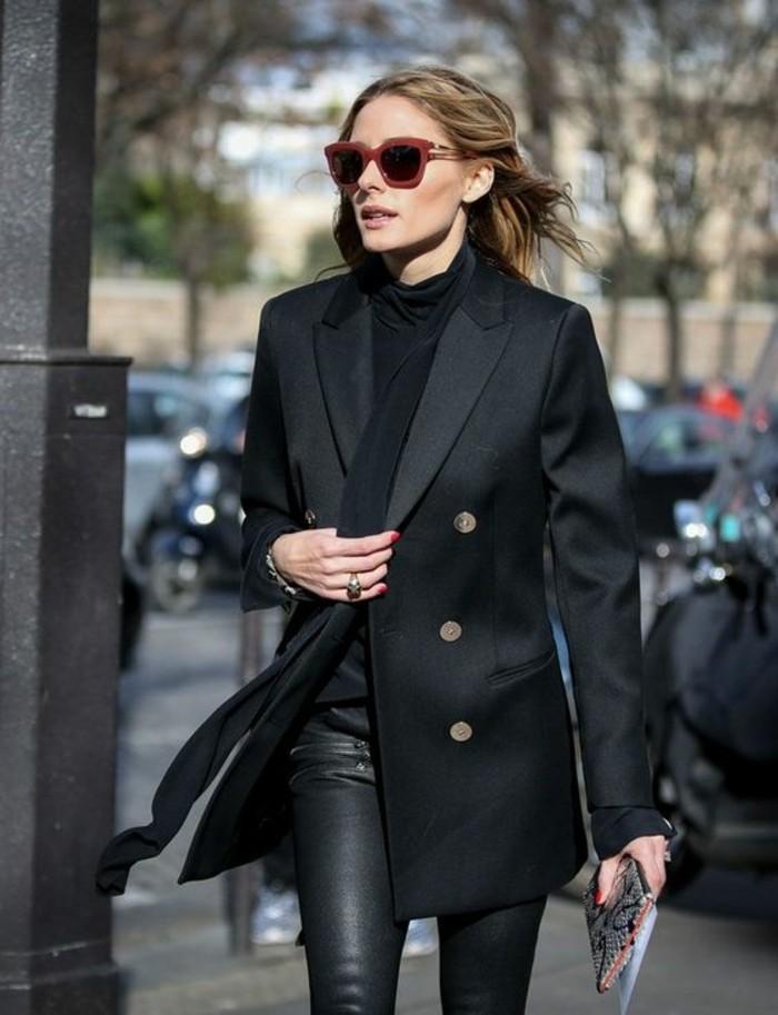 tenue-tout-noir-slim-cuir-pull-col-roulé-et-veste