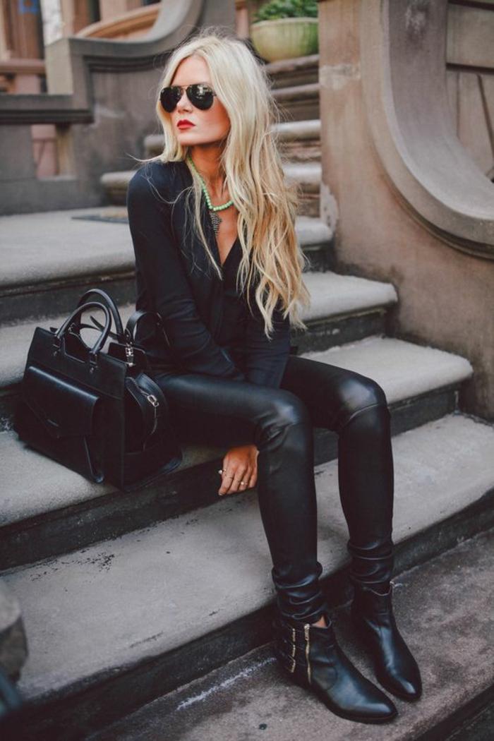 tenue-tout-noire-chemise-et-slim-suir-sac-à-mains-en-cuir