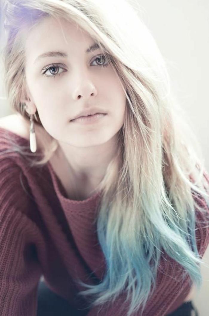 un blond polaire aux pointes couleur pastel, un tie and dye couleur pastel subtil