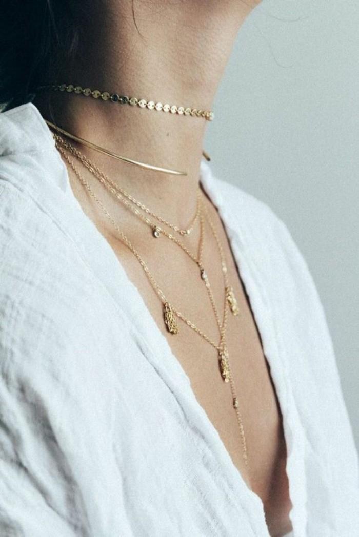 Un collier plastron argent collier ras de cou femme avec pendatifs