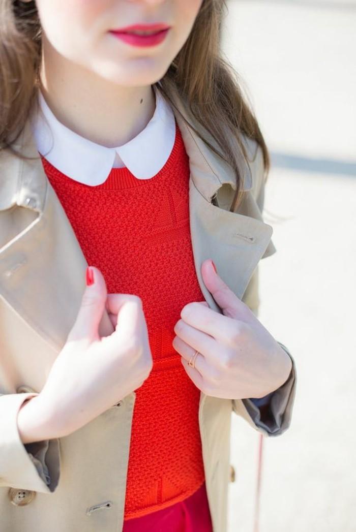 trench-coat-et-chemisier-femme-col-claudine-couleur-rouge