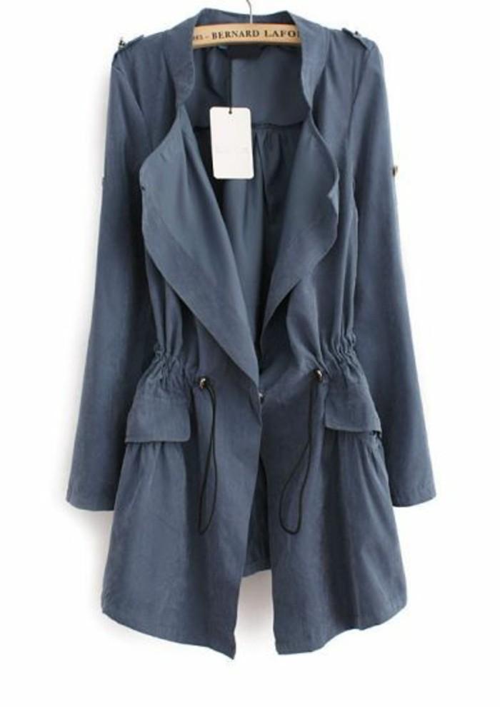 trench-femme-en-bleu-mini-deux-poches
