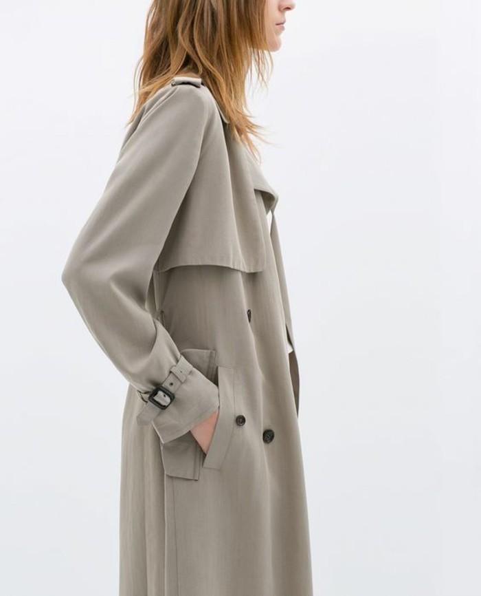 trench-femme-long-fluide-gris-avec-ceinture