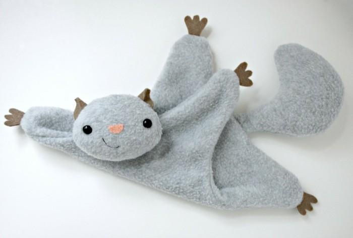 tuto-doudou-plat-écureuil-gris-volant-idée-doudou-a-fabriquer-soi-meme-peluche-enfant-à-offrir-pour-un-anniversaire