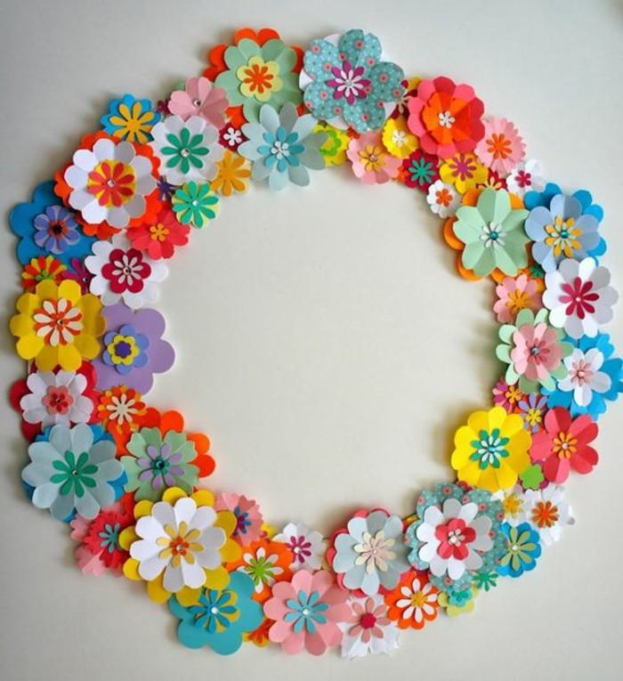 une-couronne-de-fleurs-en-papier-idée-activité-manuelle-printemps-une-couronne-de-fleurs-multicolore-à-fabriquer-soi-meme-bricolage-printemps-adulte