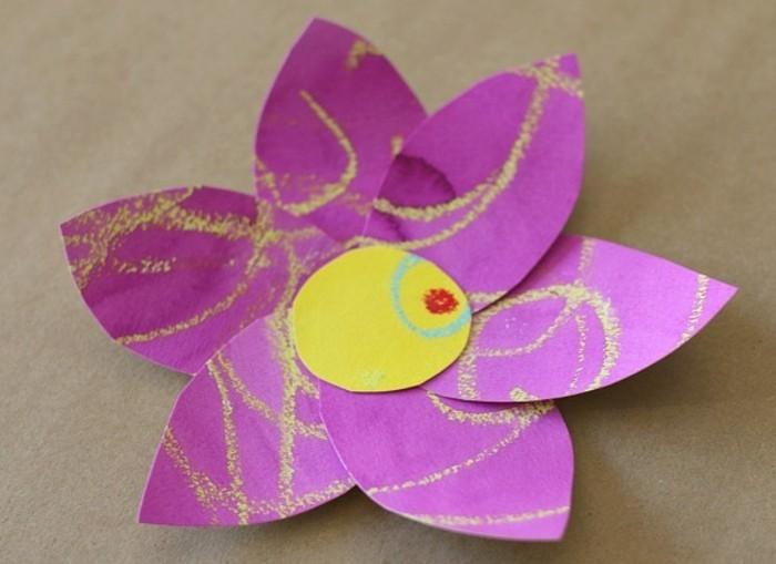 fleurs simples en papier coloré, centre jaune, activité manuelle printemps maternelle, bricolage facile à réaliser