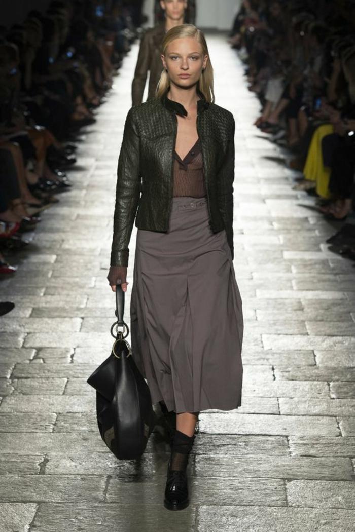 veste d été femme en vert obscur courte