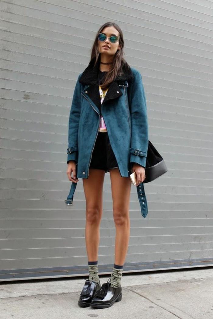 veste d ete femme bleu pétrole aux revers en noir