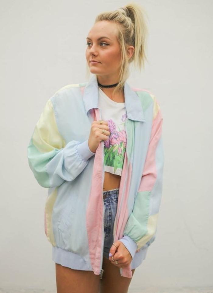 look années 90 hipster fille vintage short jean court veste couleurs pastel uk