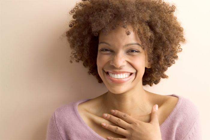 Visage beauté comment bien se maquiller naturellement belle sourire