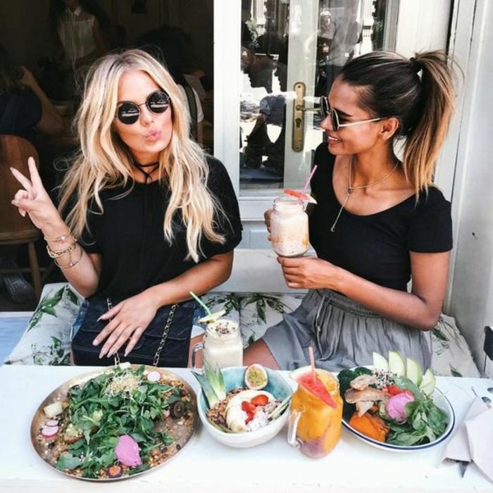 Idée comment bien s habiller femme jolie idée amies déjeuner