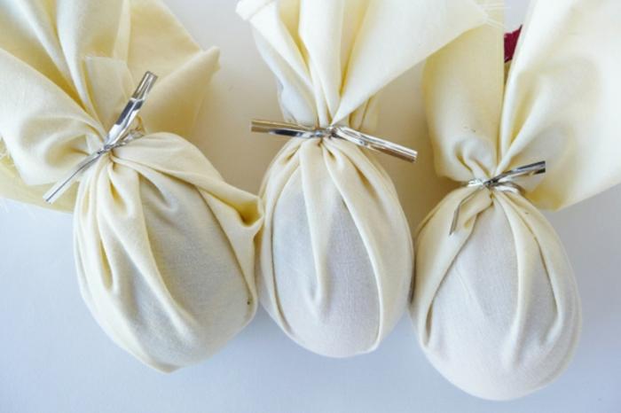 Chouette idée comment décorer vos oeufs de Paques blanc tissue