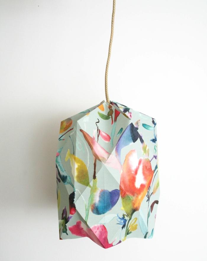 1001 projets diy super cool pour fabriquer un luminaire origami - Fabriquer abat jour papier ...