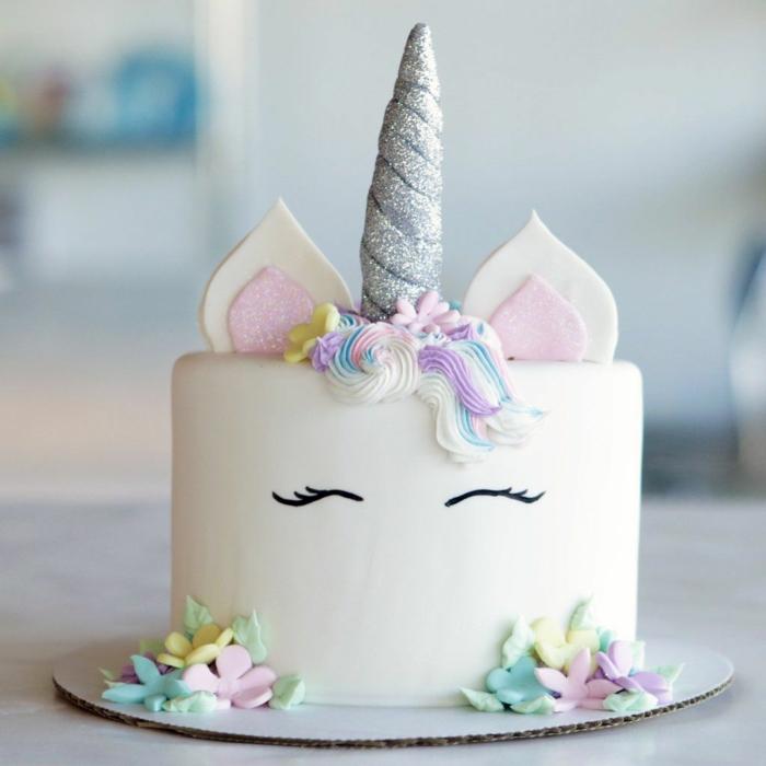 1001 id es de g teau licorne magique pour l 39 anniversaire de votre enfant - Gateau anniversaire bebe fille ...