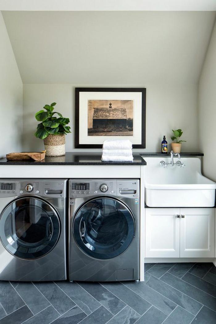 amenagement buanderie, deux machines à laver et petit évier