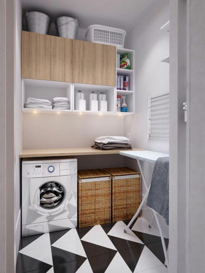 aménagement buanderie, sol en noir et blanc, paniers mis au-dessous du comptoir