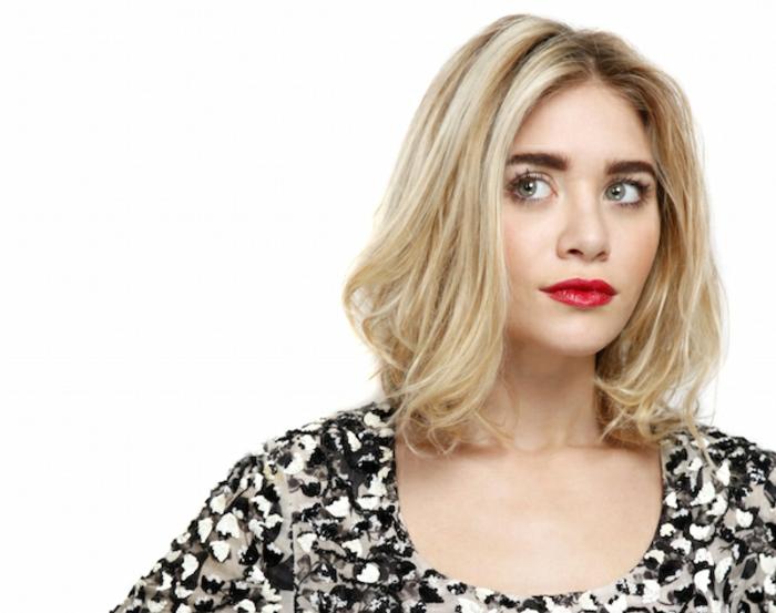 ashley olsen, carré plongeant, blonde, idée comment choisir sa coupe de cheveux, forme de visage carré