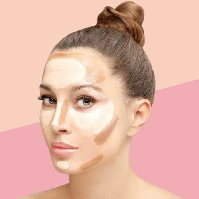 un conseil maquillage pour réussir son contouring, comment appliquer un enlumineur et le fond de teint