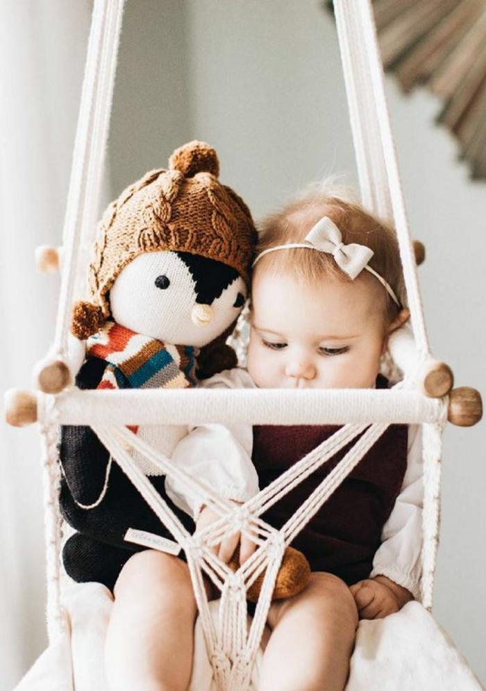 balancoire interieur, chaise balançoire pour bébé