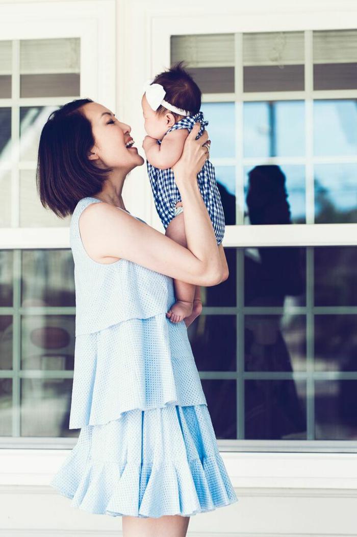 Tenue printemps femme tenue de printemps mère et bébé chriselle lim robe mini bleu