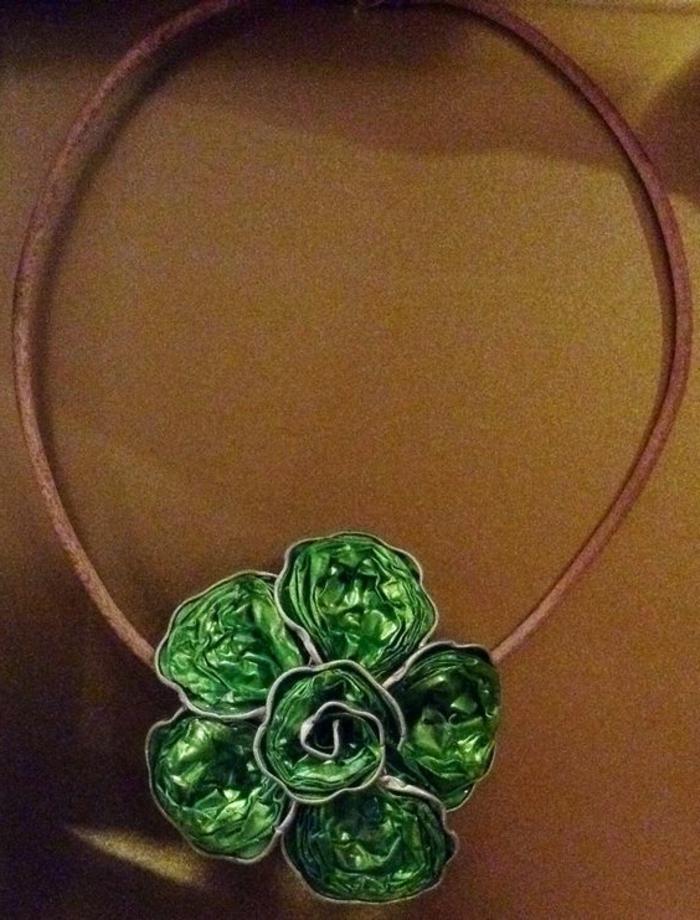 bijoux capsules, pendentif fleur pour collier