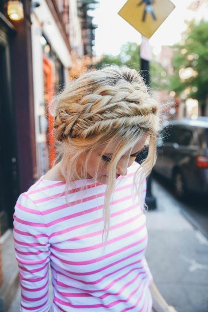 Idée coiffure cheveux long coiffure bohème chic tresse couronne