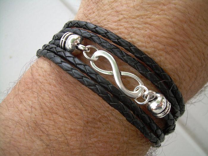 bracelet en cuir tressé noir et argent