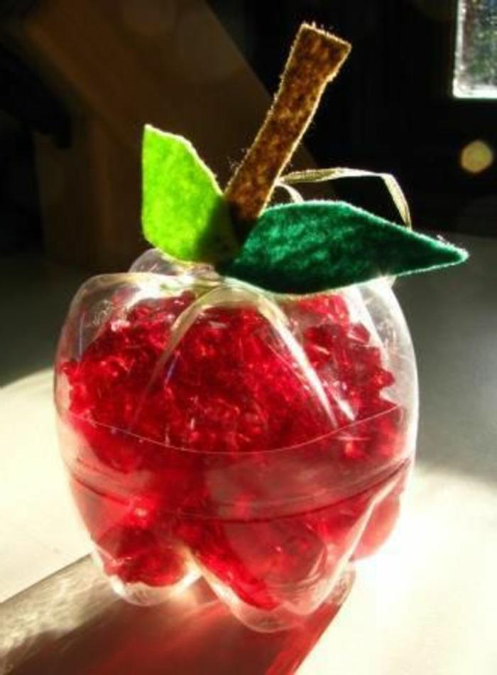 bricolage bouteille plastique pomme de bouteilles plastiques