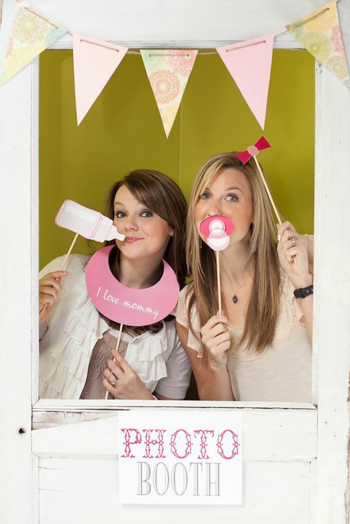 faire une cabine photo pour des photos inoubliables, une baby shower fille